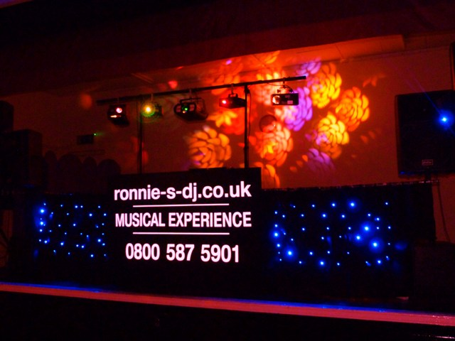 ronnie s dj.co.uk Professional Dj Essex,Mobile Disco Dj Colchester,mobile disco dj essex.co.uk Chelmsford Essex.co.uk,karaoke dj.co.uk,The Home Of Karaoke in Essex,Christmas and new years party.co.uk,Chelmsford  : 01245 279 033,Colchester : 01206 329 041,Mobile : 07775 900 308,ronnie-s-dj@btconnect.com,ronwindsor@btconnect.com,